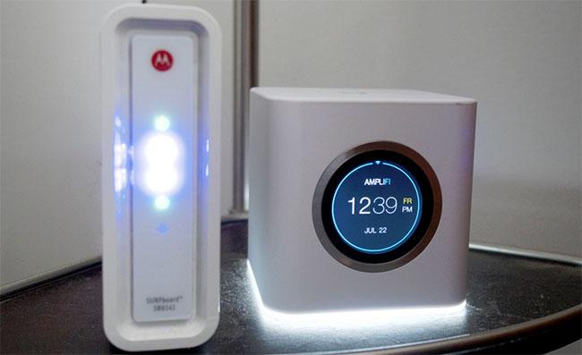 Wi-Fi роутеры Ubiquiti Amplifi и Motorola SURFboard SB6141
