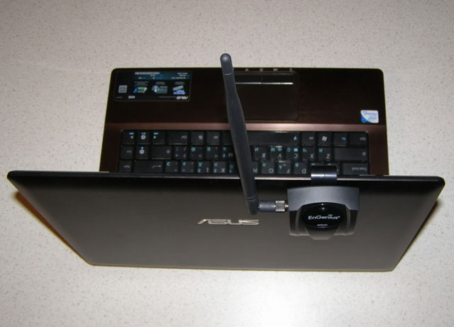 Крепление EnGenius EUB9603H на крышку ноутбука