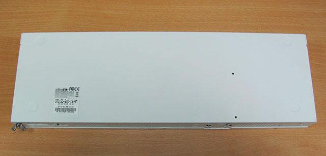 MikroTik CRS125-24G-1S-RM - вид снизу