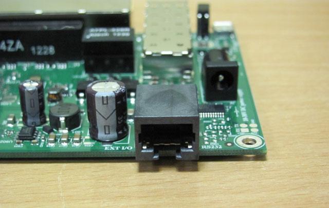 Mikrotik RB2011UAS-2HnD-IN в разборе